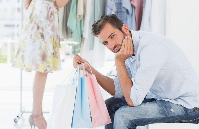 shopping ditemenin pacar