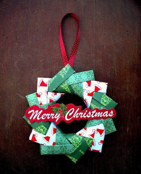 Hias pintu rumahmu dengan origami chirstmas wreath