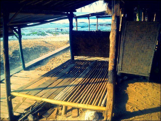 Gazebo di Pantai Sepanjang
