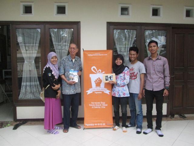 Kado Pahlawan Hipwee Community Surabaya