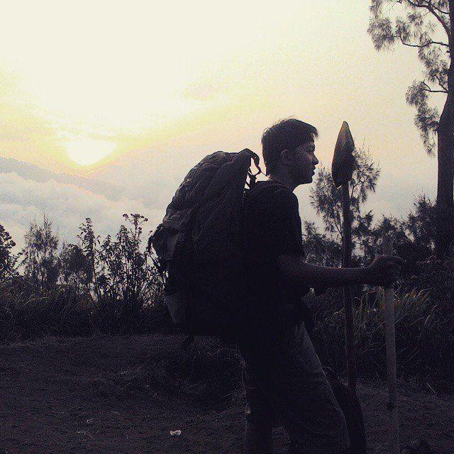 Pemandangan Sunset di Puncak Panderman. Credit to @fatkhur_rozi03