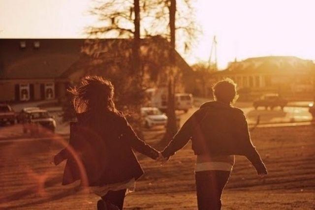 berjalan bersama