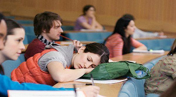 Tidur saat Kuliah