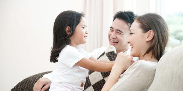Ilustrasi berkumpul bersama keluarga