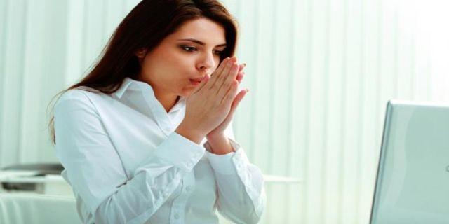 Konsentrasi dan teliti saat bekerja