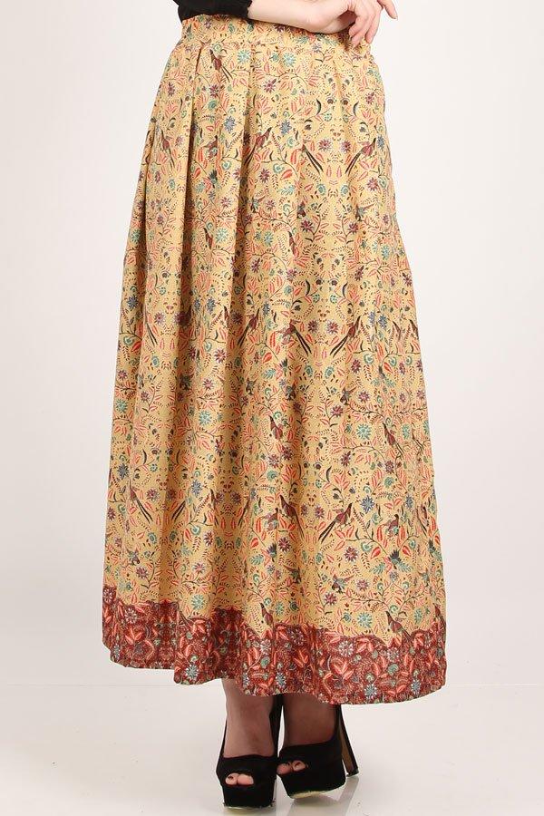 rok model ini bisa dipakai untuk aktivitas sehari-hari