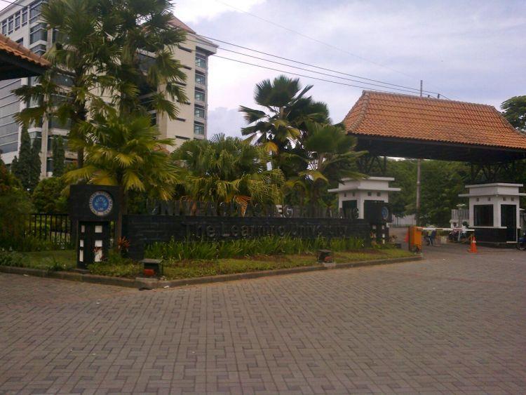 Pintu Gerbang 24/7, Jalan Semarang