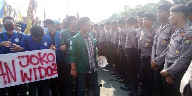 Turunkan Jokowi
