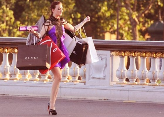shopping aja minta ditemenin, maksa lagi. hmmm