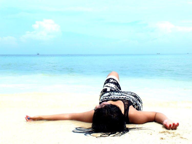 Tak akan aku hanyut dalam lautan kenanganmu~