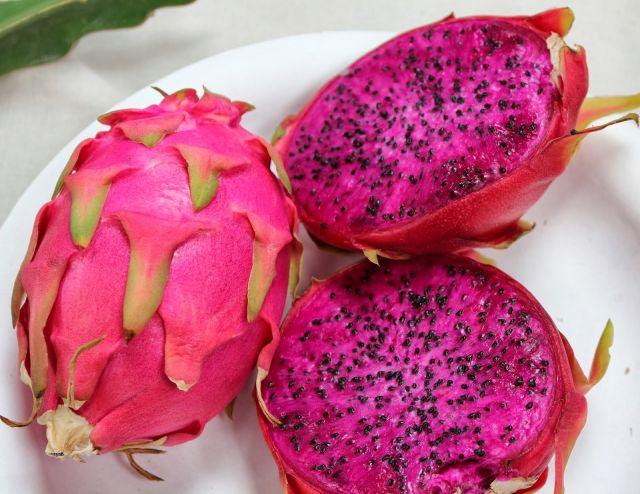 http://www.gudangkesehatan.com/8-macam-buah-yang-baik-untuk-dikonsumsi-wanita-hamil/