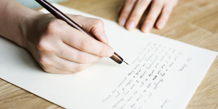 Tulislah surat untukmu sendiri di masa depan