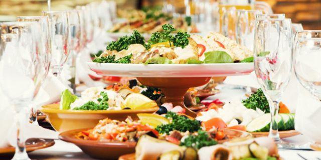 Memberikan hidangan terbaik untuk tamu juga penting