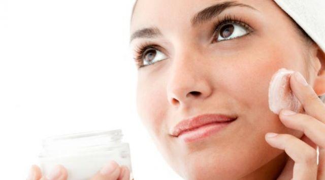 Sudah tau pelembab wajah yang cocok untuk kulit wajahmu?