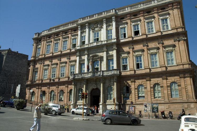 Penampakan Unistra di Perugia, salah satu kampus untuk kursus bahasa Italia.