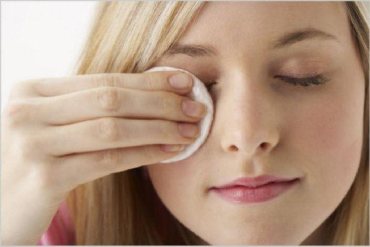 Pembersih makeup