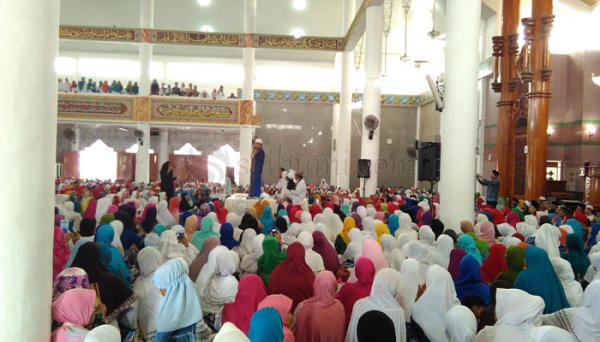 bang, kita 'kan juga butuh motivasi dari berbagai hal gak melulu dari halaqah :(