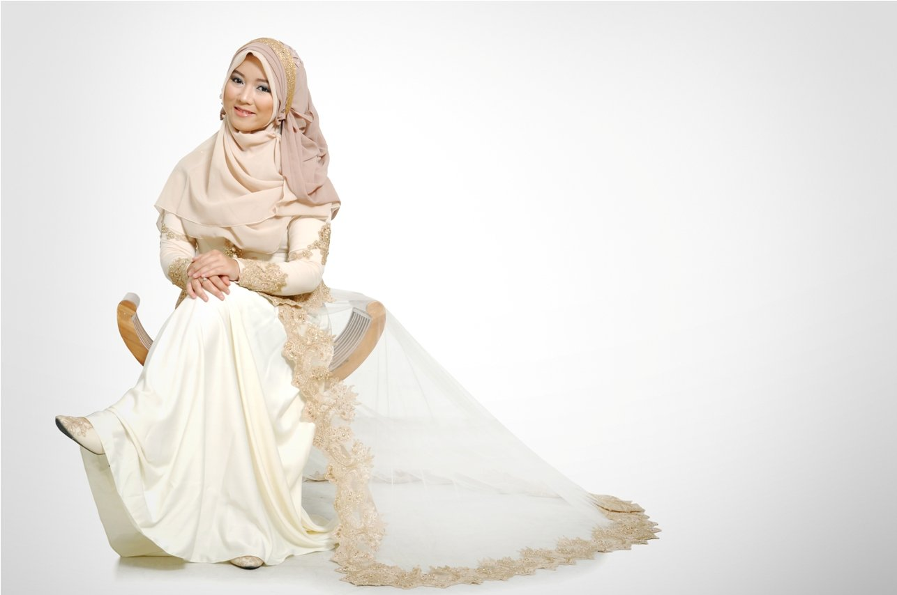 8 Inspirasi Jilbab Syari Untukmu Calon Pengantin Yang Sedang