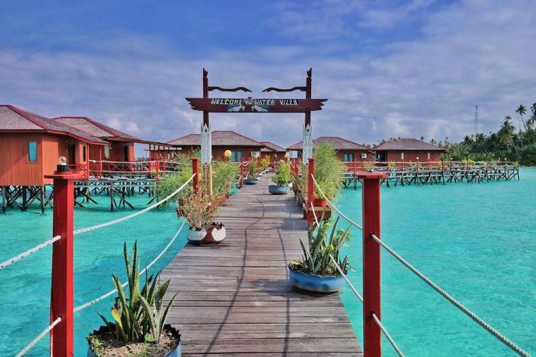 Pulau Maratua cocok dijadikan pilihan untuk honeymoon.