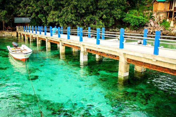 Jembatan di Pantai Iboih.
