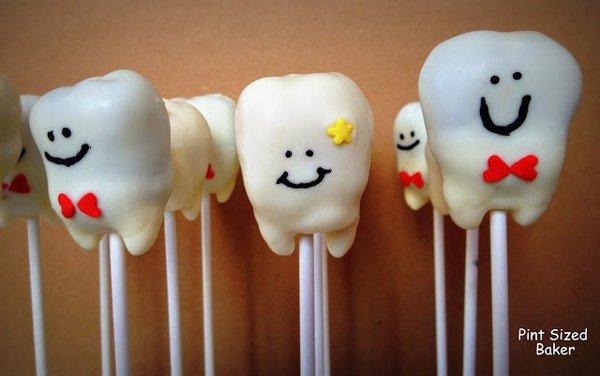 Cake pops bentuk gigi