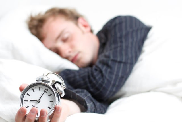 Tidur yang cukup, jangan lupa pasang Alarm