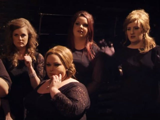 Ga ada yang tau kalau cewek yang paling kanan itu ''Jenny'' adalah Adele beneran!