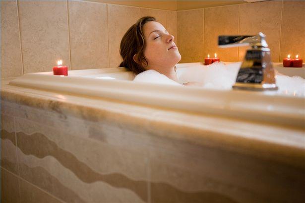 mandi di pagi hari memberikan kesegaran bagi tubuh