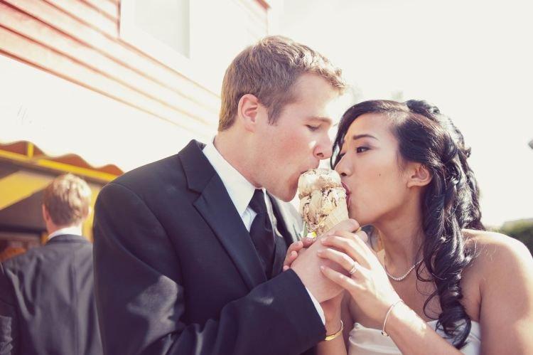 makan berdua aja udah paling romantis