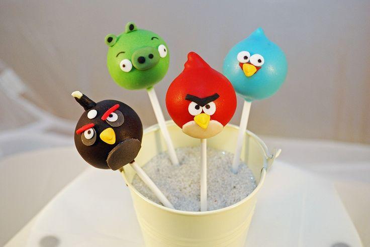 Angry Bird Pop cake