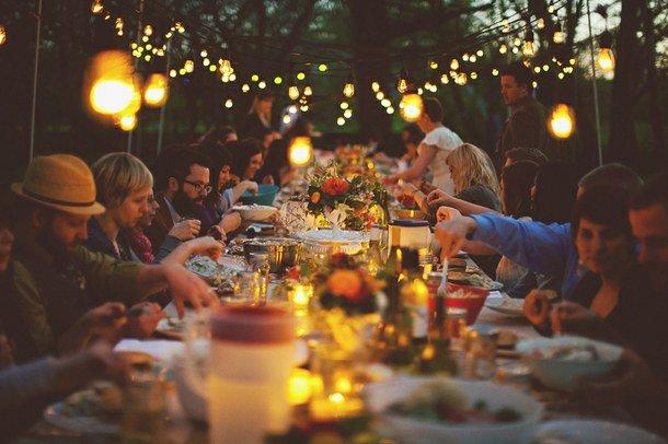 Kalau lagi makan sama teman-temanmu, kamu yang paling terakhir.