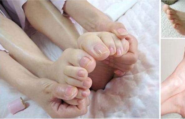 Sebelum tidur, kamu bisa manjakan kakimu dengan sampo bayi ya.