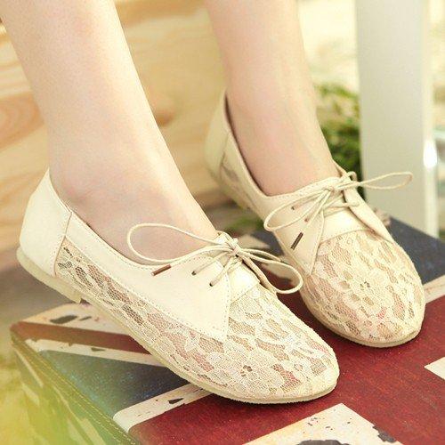 lace shoes.