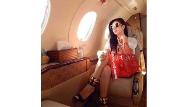 glamour nggak akan membuatmu merasa lebih kaya