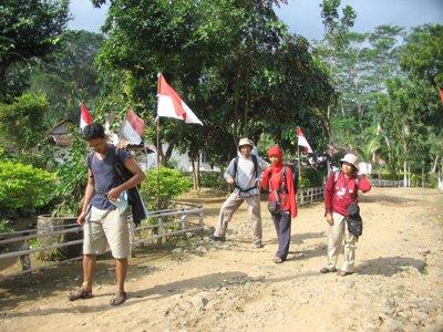 Berkeliling Desa Sukamade
