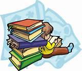 Menikmati waktu senggang dengan  membaca buku