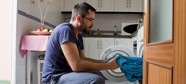 cuci baju juga sendiri
