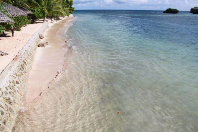 Pantai Mata Air Seratus yang jernih *_*