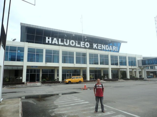Sebelum berangkat ke Wakatobi, ane menginap dulu semalam di Bandara Haluoleo Kendari..