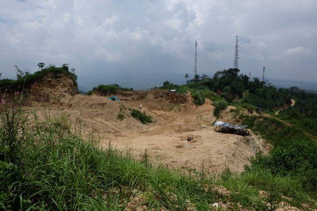 Lokasi Pertambangan Karst yang Mengancam Kawasan Karst Hawu-Pabeasan