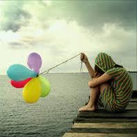 Wanita pegang balon