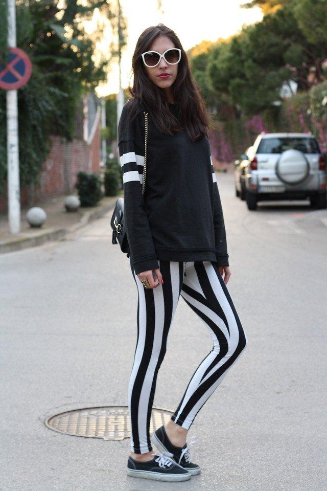 hayo siapa yang berani pakai legging bermotif zebra ini? ;D