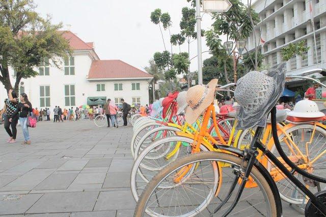 Melihat sepeda tua