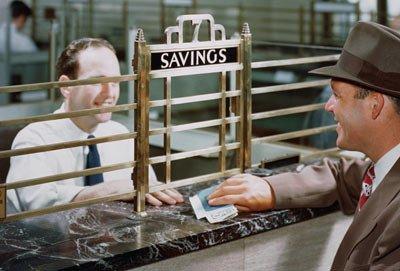 jangan lupa sisihkan pendapatan, misalnya untuk ditabung di bank