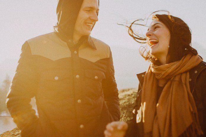 saling ejek tanda pasangan bahagia