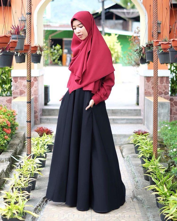 10 Style Kondangan Menawan Dengan Hijab Menutup Dada Dan Long Dress Meski Sederhana Namun