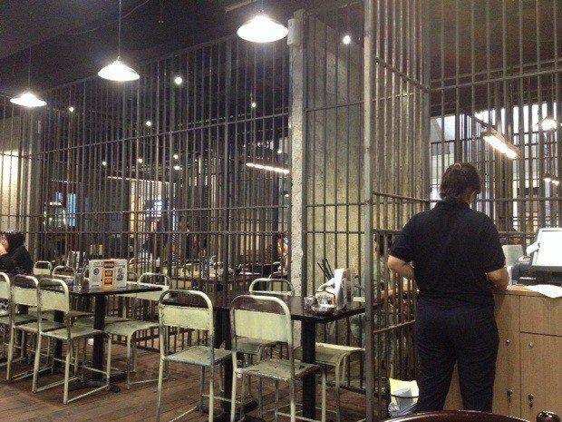 kafe penjara