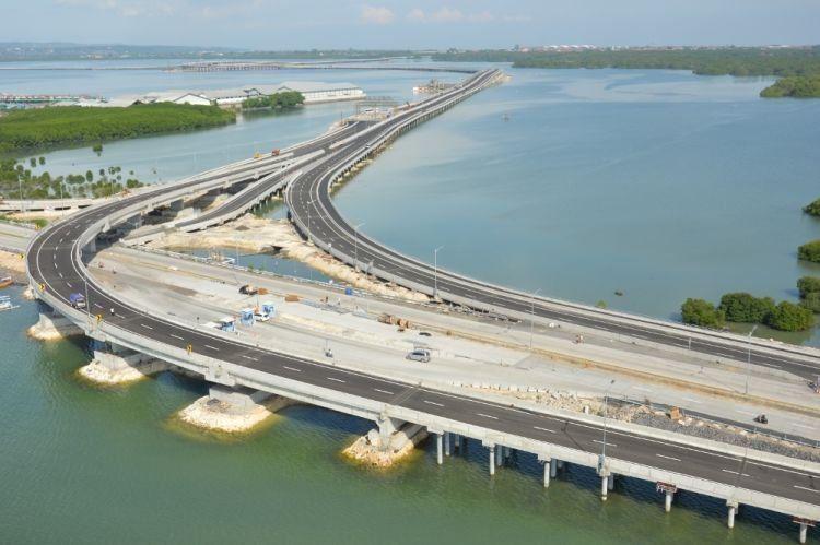 Mampir ke Bali juga ya bang biar bisa liat jembatan ini