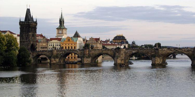 Yuk, menetap di Praha via beasiswa!