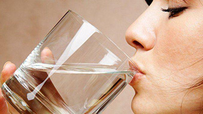 minum air putih 8 gelas sehari